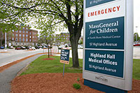The lower entrance to Salem Hospital campus on Highland Avenue